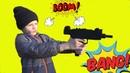 Макс открывает военный набор и оружие для детей видео про игрушки для мальчиков