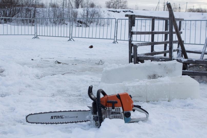 Крещенские купания: лёд на реках Ухты стал ещё крепче, изображение №5