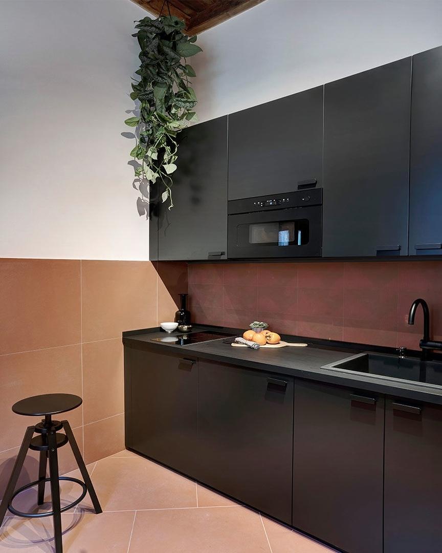 Цветная квартира в центре Рима по проекту Venturoni || 01