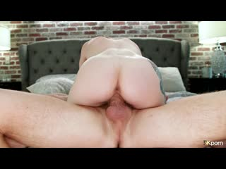 [5k porn] cora moth flexible slut cora given a 5k 60fps deep creampie