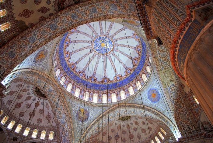 Интерьер Голубой мечети.
