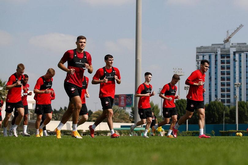 «Спартак» провел первую тренировку в Дубае