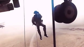 What is Russian Army: взрывной ролик в рамках флешмоба Somebody to love Jefferson Airplane