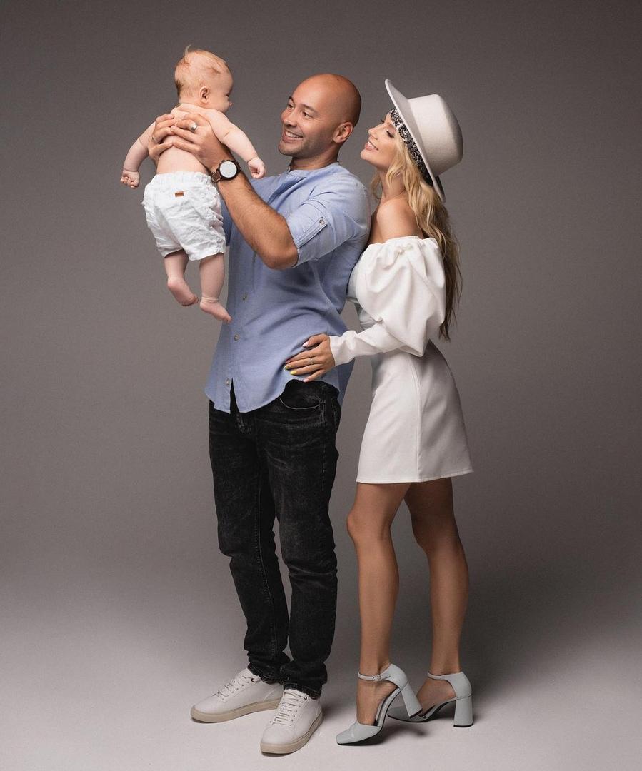 Андрей и Кристина Черкасовы отмечают 6 месяцев сына