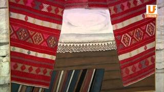 Старые платки и ковры Василь Ханнанов использовал при создании своей экcпозиции.