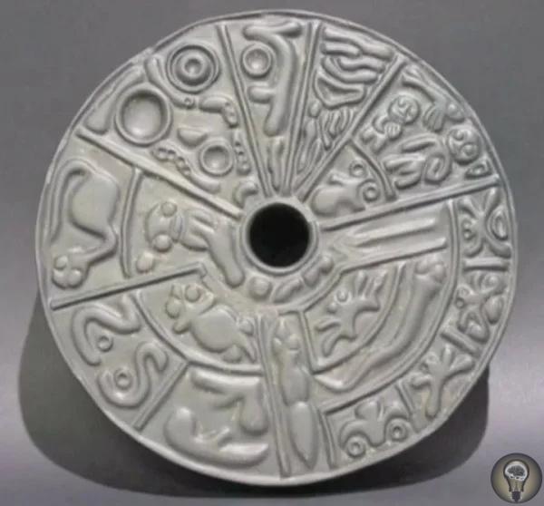 Артефакты истории. Генетики из древней Колумбии Колумбийский профессор Хайме Гутьеррес Лега уже на протяжении десятилетий собирает коллекцию странных артефактов, не вписывающихся в официальные