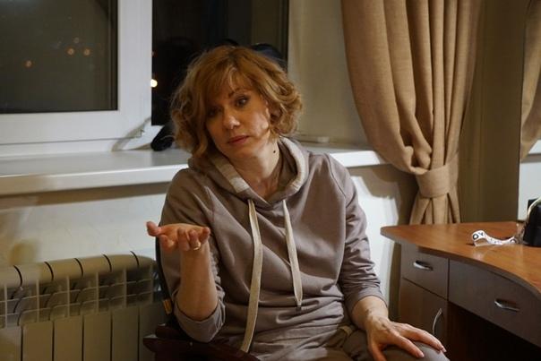 «Не хочу жить на 30 тысяч рублей!» Елена Бирюкова пожаловалась на нехватку денег. «Мы должны, смирившись, все существовать на маленькие деньги Нет! Я не хочу жить на 30 тысяч рублей!» призналась
