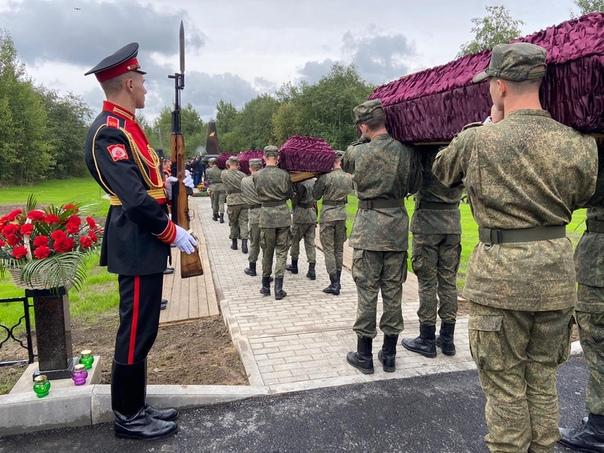 офицеры герои ленинградской области фото горячие