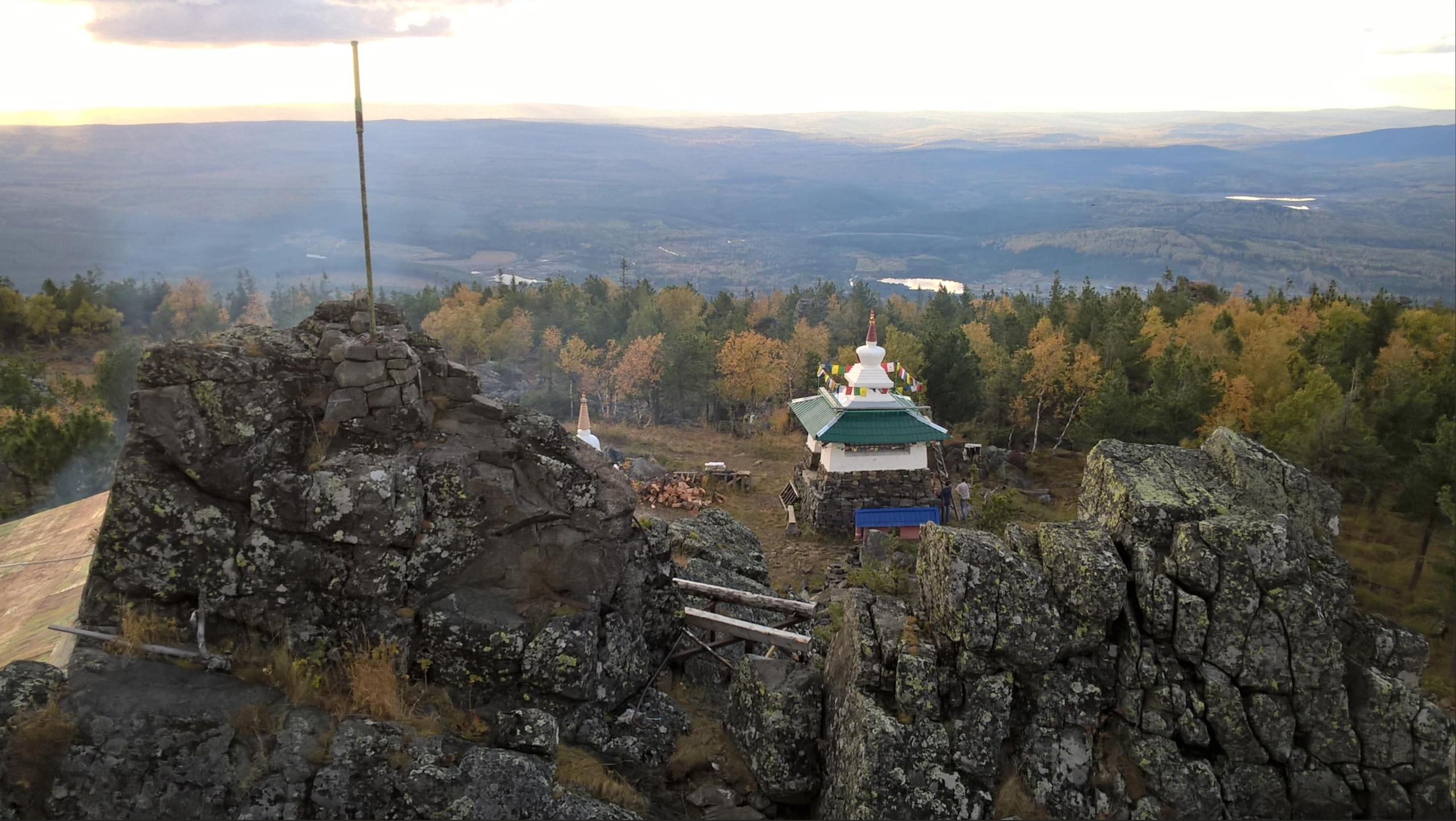 ступы монастыря на горе Качканар