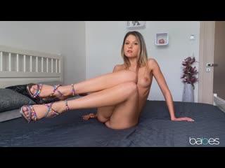2020-08-31 Rebecca Volpetti - Footsie Flirting