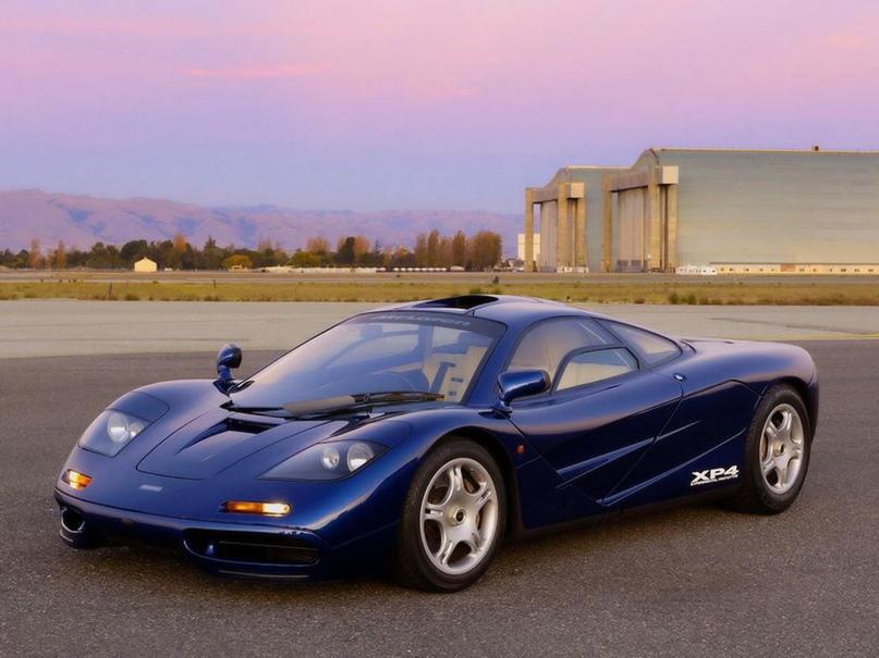 Бонус: внешнее сравнение оригинального F1 и его брата на «аэродинамических стероидах» F1 GT
