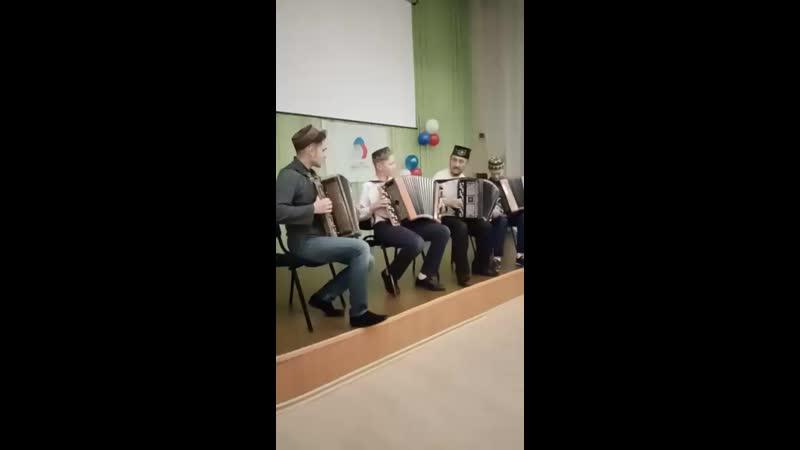 Квартет баянистов Друзья Попурри на татарские народные мелодии Руководитель Фахретдинов Д Р