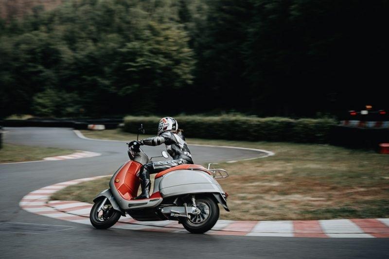 Электрические скутеры Kumpan 54i: 54 Impulse и 54 Ignite