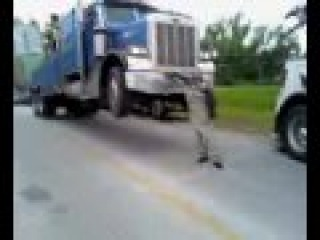 tow truck fails trying to move stuck over sized load in tulsa oklahoma