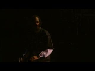 Снуп Догг выступает на сцене фестиваля Coachella-2012 вместе с голографическим изображением Тупака Шакура.