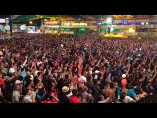Десятки тысяч фанатов Футбола выполнили ✌ приветствие Vizinova смотреть онлайн без регистрации