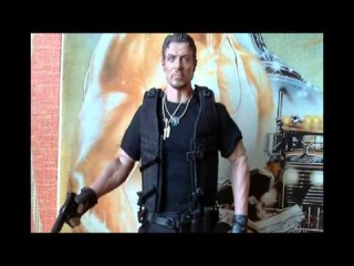 Hot Toys Barney Ross 1\6 scale figure review by Illusiveman