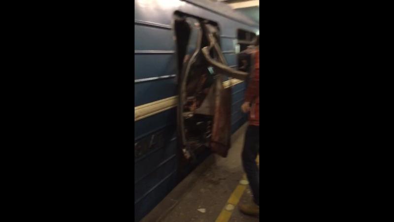 Видео с места взрыва в Питере » Freewka.com - Смотреть онлайн в хорощем качестве