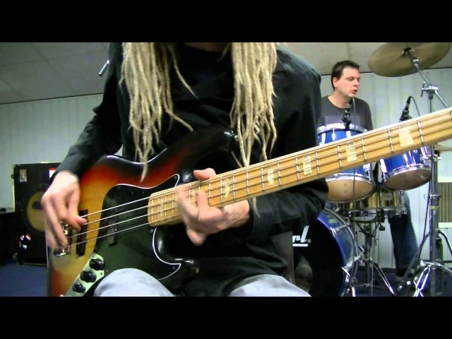 Fingerstyle Funk Bass Drum Grooves