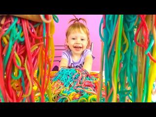 Мега Челлендж  Готовим и едим цветные макароны. Радужные спагетти.  Детские опыты