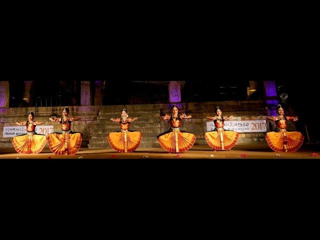 Sridevi Nrithyalaya Bharatanatyam Dance Lathangi Varnam clipping from the LIVE SHOW