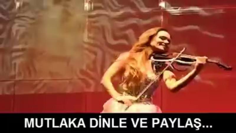 Türk bir anne ile Amerikalı bir babanın kızı keman virtüözü Canan Anderson'dan 'Selvi Boylu Al Yazmalım' performansı Muhteşem