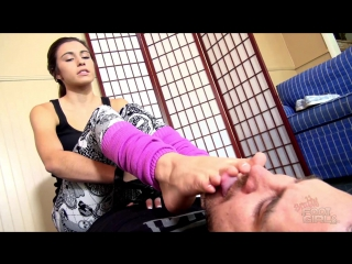 Nikki nexts foot worship / foot licking / foot slave / foot fetish