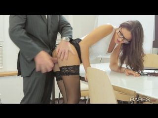 Шикарная секретарша [секс, порно, эротика, малолетки, студентки, вебка, голые, лесби, попки, сиськи, трах]