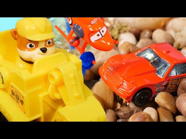 Щенячий патруль спасает машинку Хот Виллс ВидеоПроМашинки на английском языке