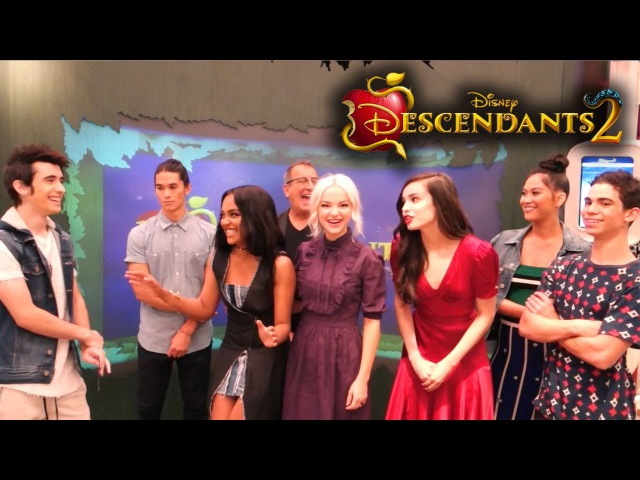 DISNEY'S DESCENDANTS 2 interviewing the cast Director