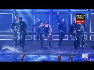 Том Холланд в образе Рианны, Зендея в шоке [телешоу Lip Sync Battle]  Rihanna - Umbrella