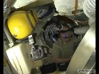 Селфи в космосе. Всем доброе утро