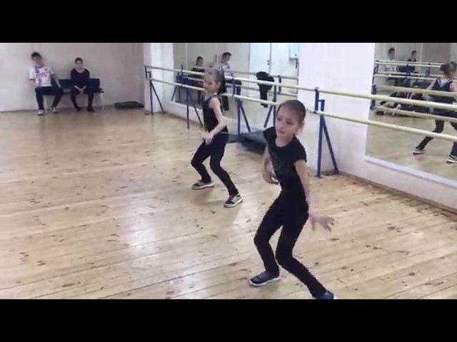 Anna Shcherbakova (RUS) Alexandra Trusova (RUS) - Dance Practice with Alexei Zheleznyakov