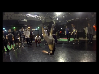 Bboy salo venezuela tricks to the beat