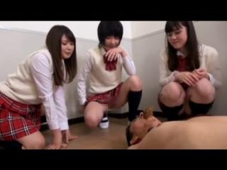 Используют как унитаз #scat #slave #piss #farting #wc #pissing #toilet #public #hidden #spy #voyeur #slut #femdom #spitting #ass