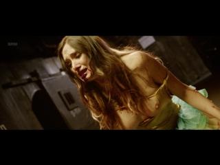 Sara Malakul Lane, Kelly McCart Nude - Halloween Pussy Trap Kill Kill (US 2017) 1080p WEB