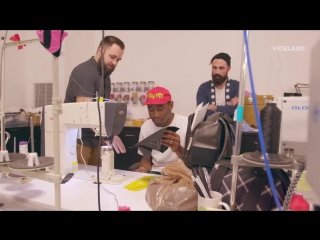 Tyler, the creator на производстве своей модели converse one star