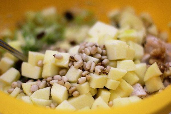 Куриный салат Вальдорф, изображение №8