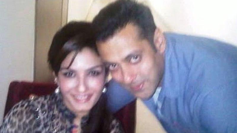 Raveena Tandon Talks About Salman Andaz Apna Apna