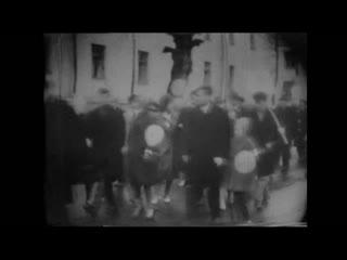 Первомайская демонстрация в Гатчине. 1965 год.