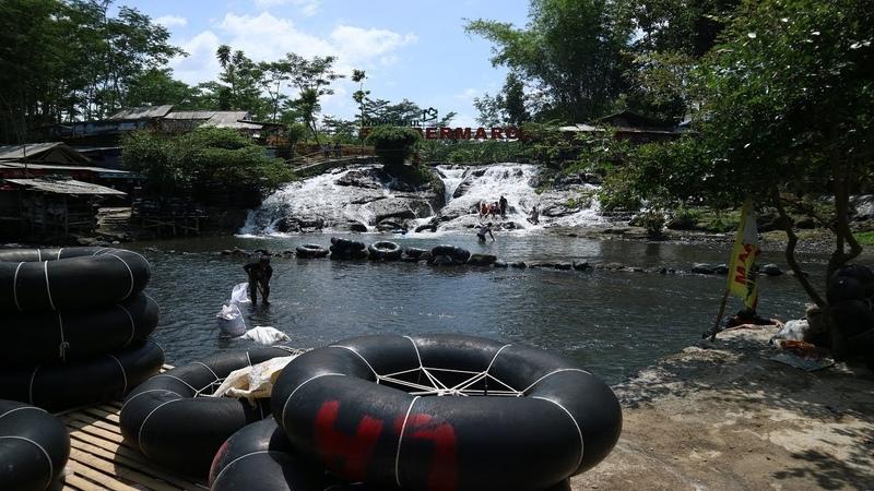 Nikmati River Tubing Murah Meriah di Sumber Maron Malang