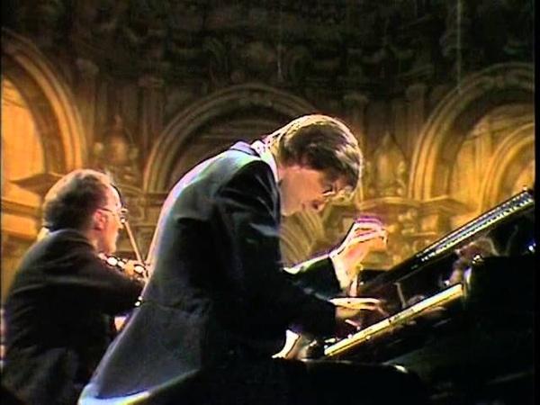 Mozart Concierto para piano Nº 8 en Do mayor K246 Christian Zacharias piano
