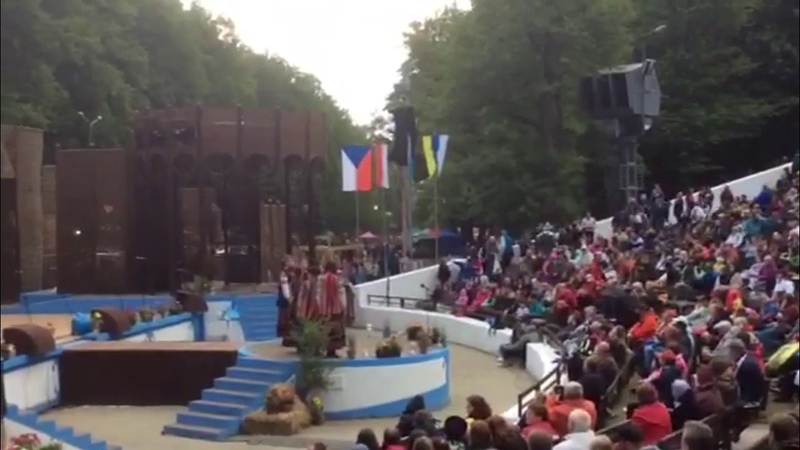 анс. Кралиця- веснянки, танець Крутак. фестиваль Словаччина 2017
