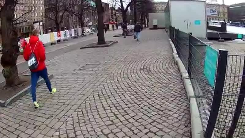 18 03 2019 Kukaan muu ei kuvaa Rautatientorilla kun Geurt Marco de Wit YouTube 360p