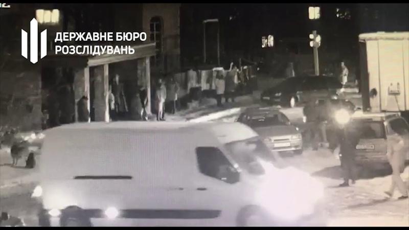 Двоє поліцейських катували цивільного