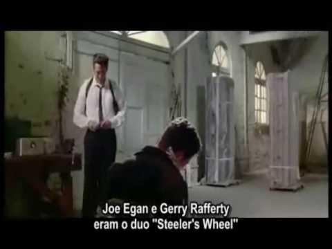 A cena da orelha cortada no filme 'Cães de Aluguel'