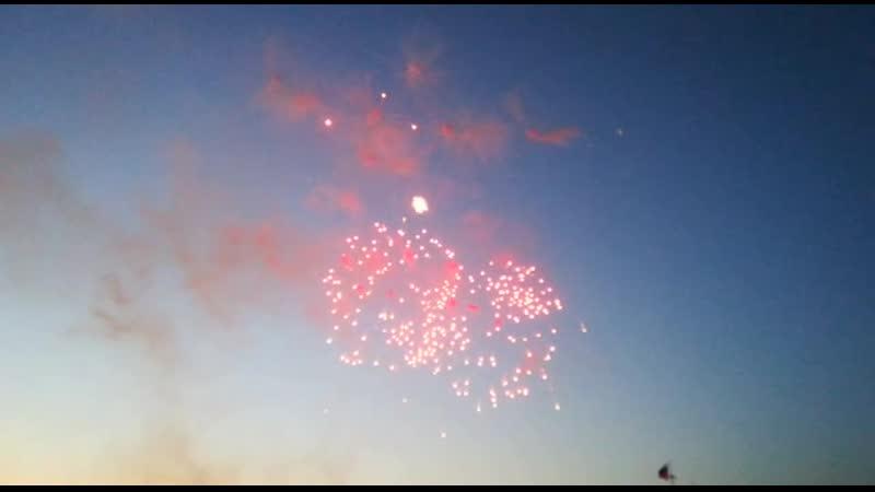 Салют в честь дня Военно-Морского флота России