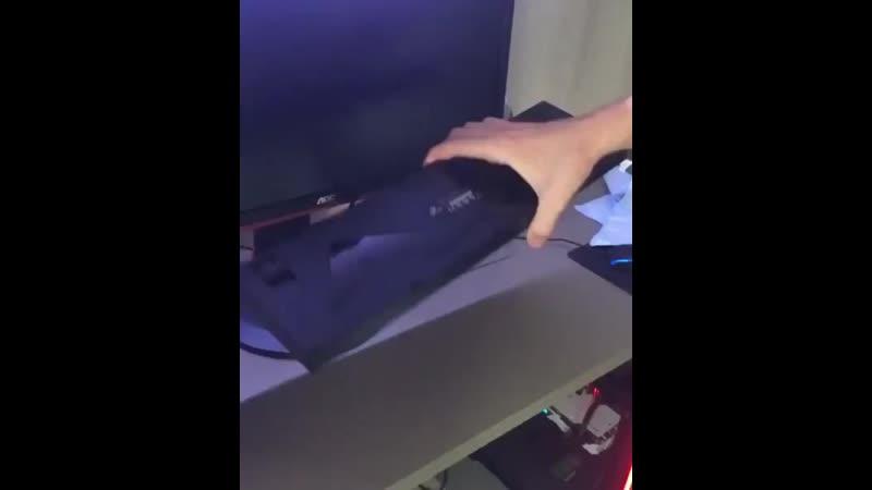 Когда решил вытряхнуть клавиатуру