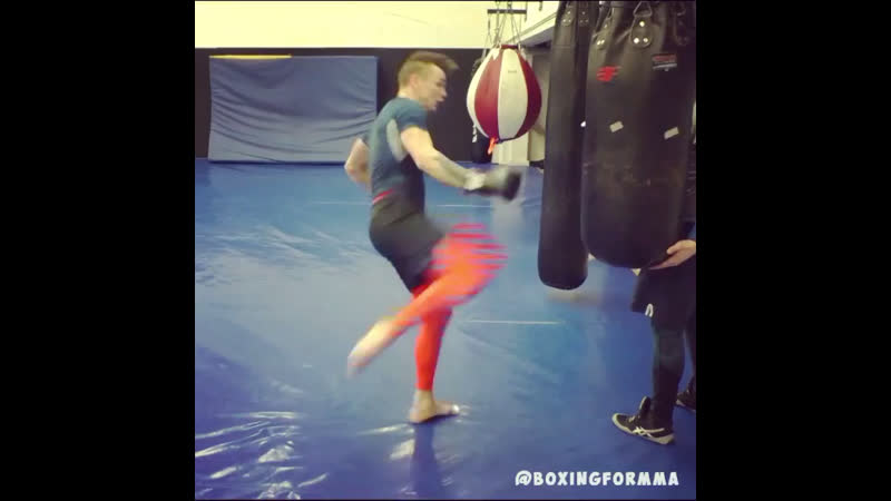 Boxingformma Pro MMA Fighter josamma feinting takedowns and then throwing a right high kick.