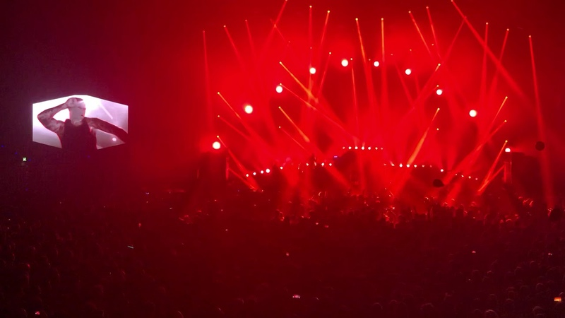 The Prodigy The Day is my Enemy not complete live @ Max Schmeling Halle Berlin